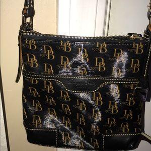 Dooney & Bourke Bags - New Dooney & Bourke cross body bag